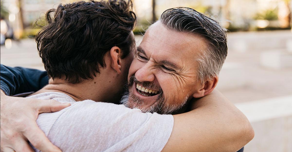 Prezent na dzień ojca – jaką biżuterię kupić?